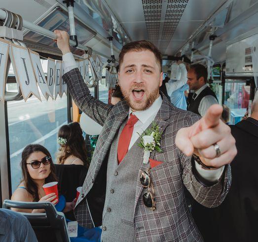 """""""Tko pjeva zlo ne misli"""" vjenčanje u tramvaju!"""