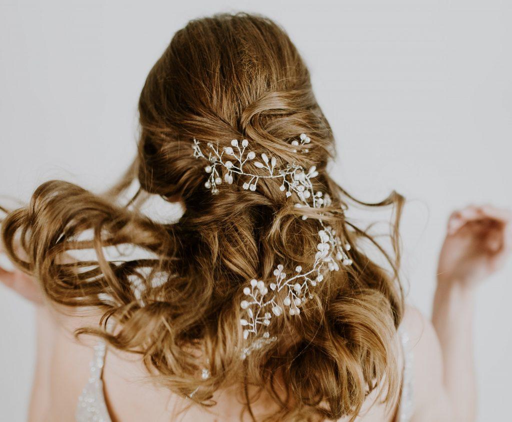 jednostavne frizure za vjenčanje