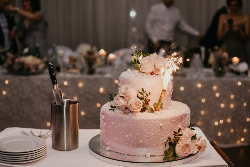 roza torta za vjencanje